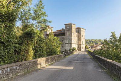 castello-Pontebosio