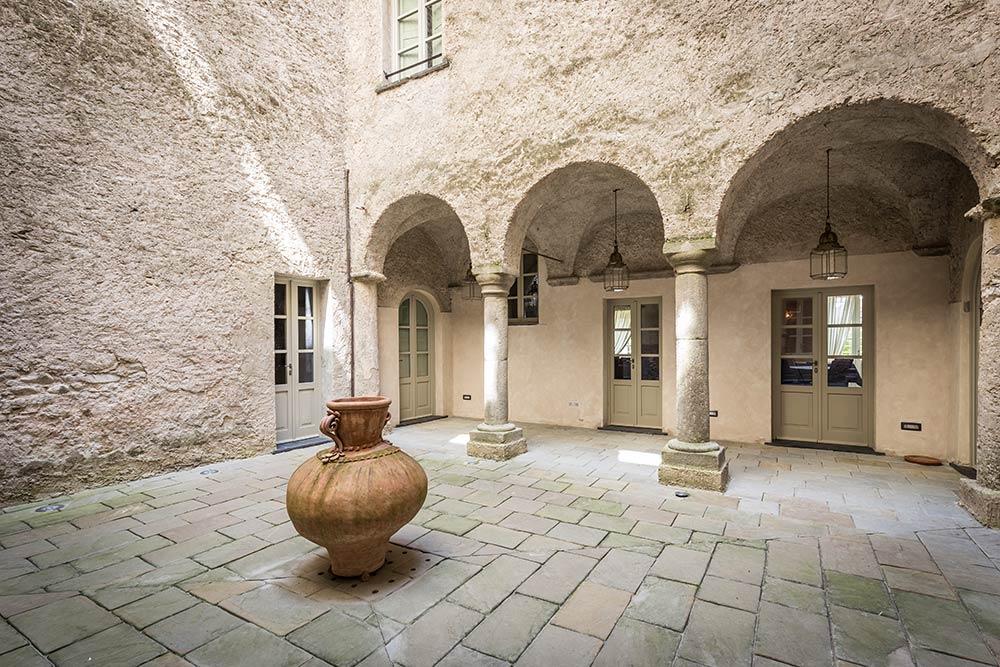 Chiostro castello Pontebosio